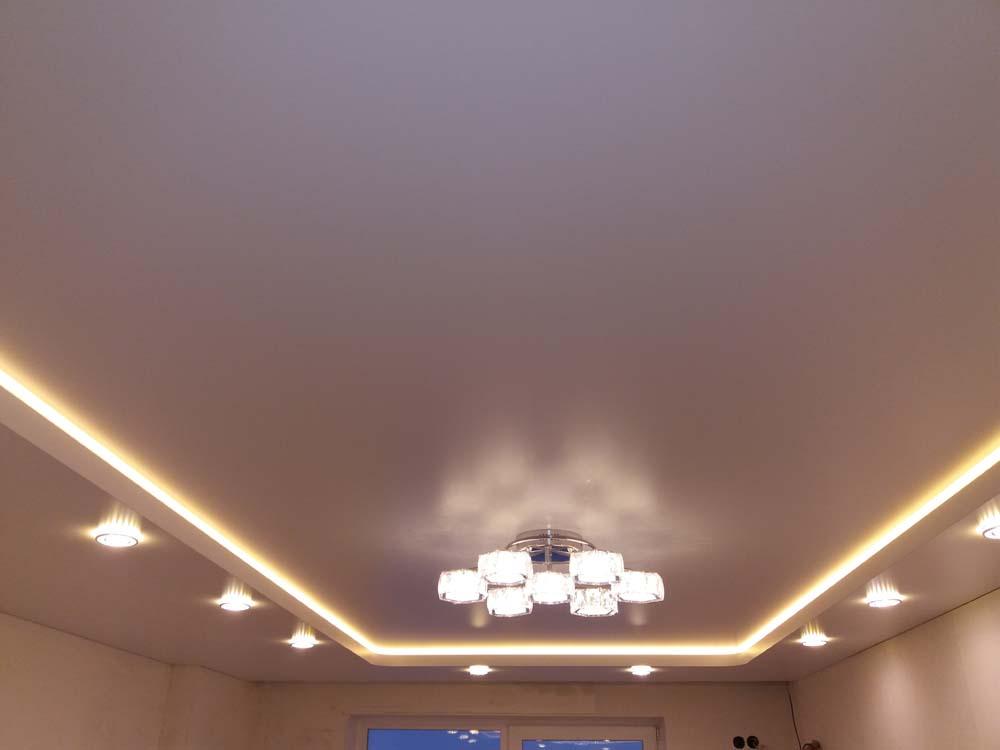 5 вариантов эффективного оформления потолка в квартире
